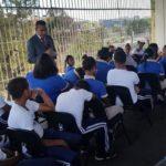Miguel Ángel Gutiérrez lleva su charla a Escuela República de Haití del Ensanche Luperón